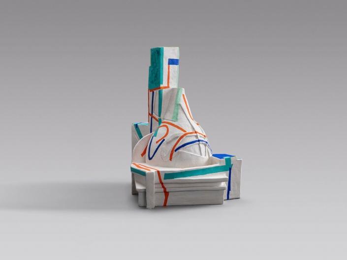 EWIGES WANDELN UND WERDEN (Eternal Changing and Becoming) / Alabaster Gips, Acryl / 50 x 45 x 38 cm / 19.7 x 17.7 x 15 in / 2020